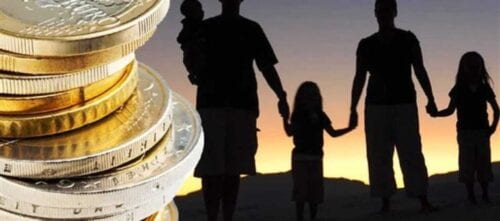 επίδομα εισοδηματικής ενίσχυσης: ποιες οικογένειες δικαιούνται φέτος τα 600 ευρώ 1