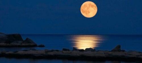 μοναδικό φαινόμενο: και πανσέληνος και έκλειψη σελήνης τη δευτέρα 3