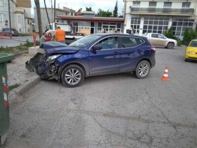 eordaialive.com: Τροχαιο ατύχημα στη συμβολή των οδών Ελευθερίας και Οικοτροφείου - Στα ανύπαρκτα φανάρια του Ανατολικού  (φωτογραφίες) 16