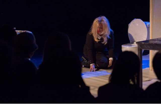 Πτολεμαΐδα: θεατρική παράσταση «ΚΑΘΡΕΦΤΕΣ» της Άντας Τσεσμελή Edwards 12