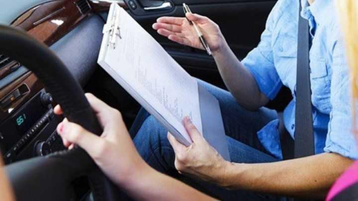 """Χειρόφρενο"""" στις εξετάσεις για την έκδοση διπλωμάτων - Στον αέρα 4.000 υποψήφιοι οδηγοί 1"""