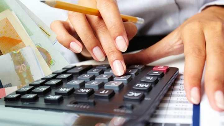"""έρχονται ρυθμίσεις """"ανάσα"""" για οφειλέτες - τι αλλάζει, ποιοι θα επωφεληθούν από τις 120 δόσεις για χρέη σε ταμεία - εφορία 1"""