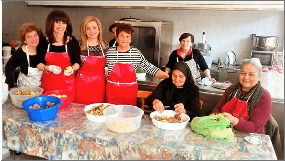 σύλλογος πολυτέκνων γονέων εορδαίας : γεύμα στον «καλό σαμαρείτη» 2