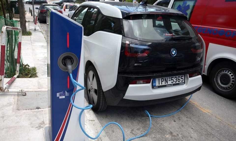 Για πρώτη φορά θεσμοθετούνται προδιαγραφές για σημεία φόρτισης ηλεκτρικών οχημάτων 1