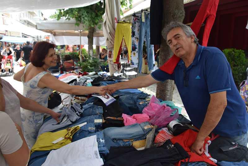 Eordaialive.com: επίσκεψη υποψηφίων βουλευτών στη λαϊκή αγορά Πτολεμαΐδας (βίντεο-φωτό) 19