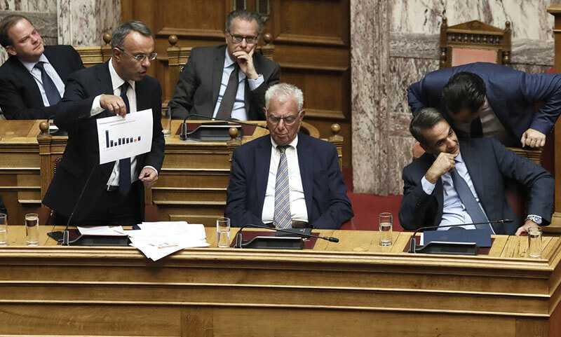 Βουλή: Υπερψηφίστηκε το φορολογικό νομοσχέδιο - Τι αλλάζει σε ΕΝΦΙΑ και 120 δόσεις 1