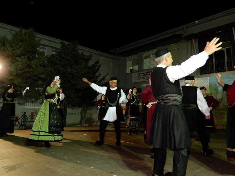 Το χορευτικό τμήμα του Συλλόγου Γρεβενιωτών Κοζάνης Ο ΑΙΜΙΛΙΑΝΟΣ στις εκδηλώσεις ΦΑΝΟΥΡΕΙΑ 2019 στο Ανατολικό Θεσσαλονίκης 14