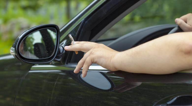 Κάπνισμα και οδήγηση: Πρόστιμα από 1.500 ευρώ και αφαίρεση διπλώματος! 1