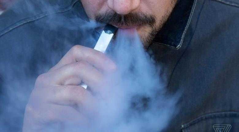 Χαλκιδέος νοσηλεύεται στο ΚΑΤ - Έσκασε το ηλεκτρονικό τσιγάρο στα χέρια του! 1