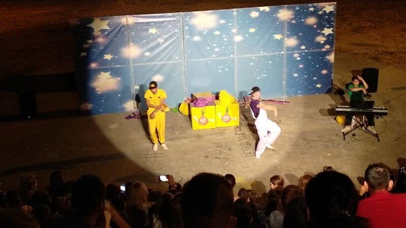 Eordaialive.com   Πτολεμαΐδα: «Ο Πρίγκιπας Λεμόνης και η Όμορφη Κρεμμύδω» διασκέδασαν απόψε παιδιά και γονείς (φωτό-βίντεο) 17