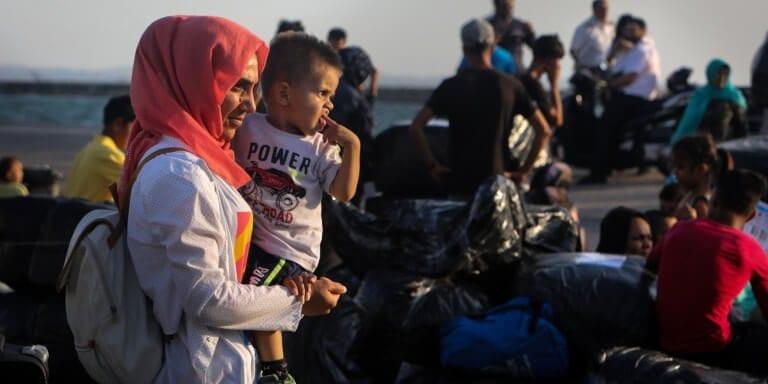 Στη Νέα Καβάλα οι πρώτοι πρόσφυγες από τη Μόρια (φωτό-βίντεο) 1