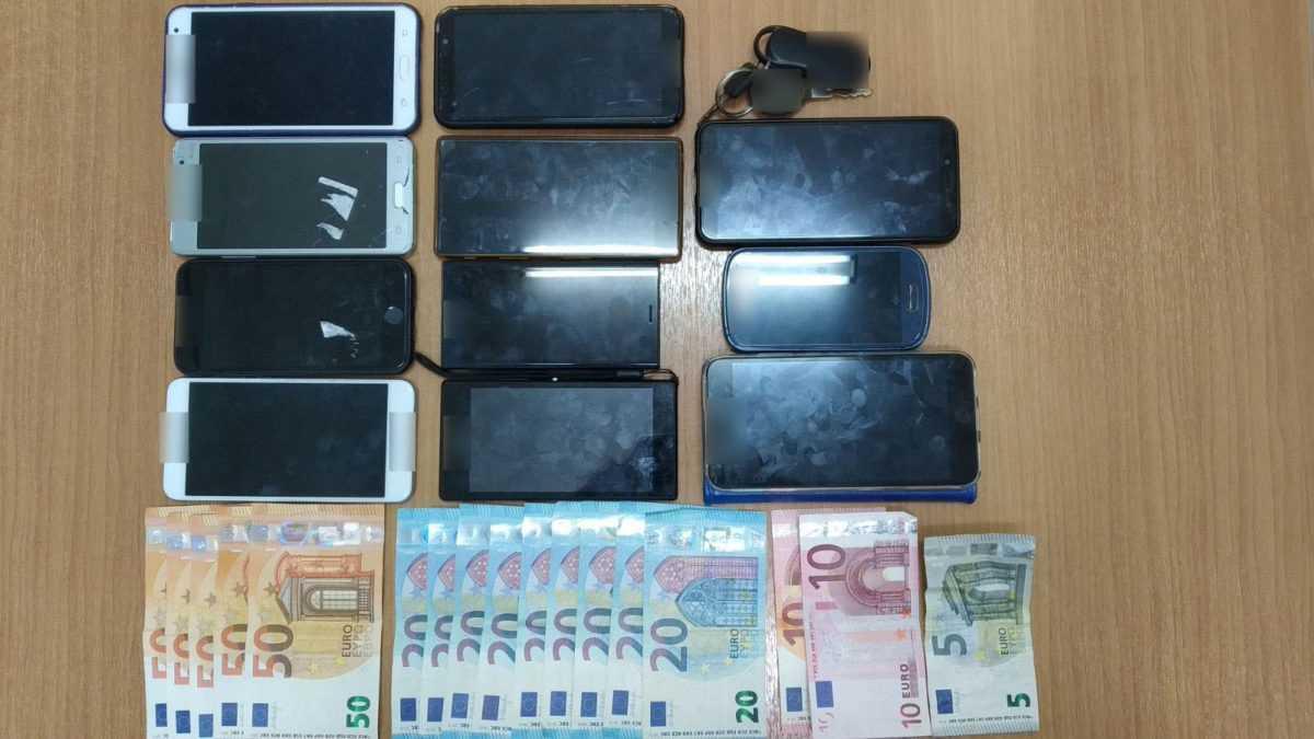 Σύλληψη 25χρονου αλλοδαπού, σε περιοχή της Καστοριάς, για παράνομη μεταφορά 8 αλλοδαπών 9