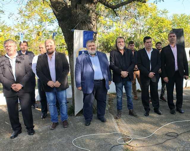 eordaialive.com: Τίμησαν την απελευθέρωση του Περδίκκα! - Δείτε φωτογραφίες από την κατάθεση στεφάνων! 15