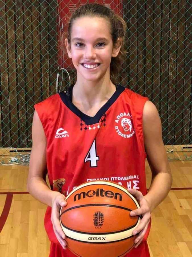 Οι αθλήτριες του ΑΠΟΛΛΩΝΑ ΠΤΟΛΕΜΑΪΔΑΣ, Αντριάνα Σαρβάνη(2005) & ΒασιλικήΧωλοπούλου(2007) στο ΕΟΚ-FIBA  τουρνουά 3χ3 κοριτσιών U14 8