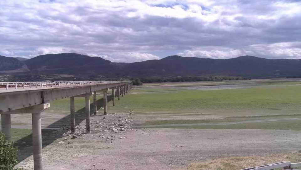 Κοζάνη: Στέρεψε η λίμνη Πολυφύτου στο ύψος του Ρυμνίου 1