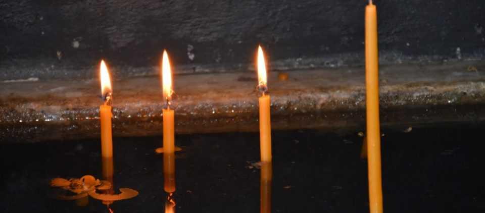 Αλλοδαπός χαστούκισε κοπέλα που έκανε τον σταυρό της έξω από εκκλησία στην Θεσσαλονίκη! 1