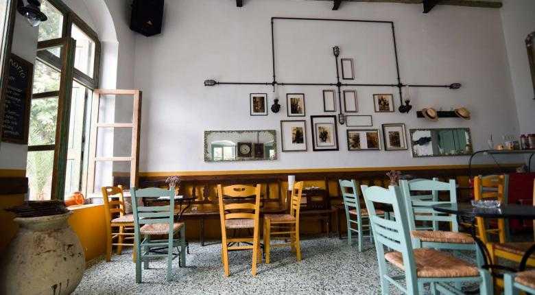«Γιατί κύριε κράτος;»: H ανάρτηση Αγρινιώτη καφετζή που έγινε viral 1