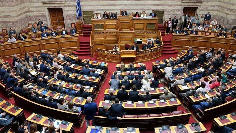 Βουλή: Τροπολογία προβλέπει διαδικασία fast track για διορισμό γιατρών στο ΕΣΥ