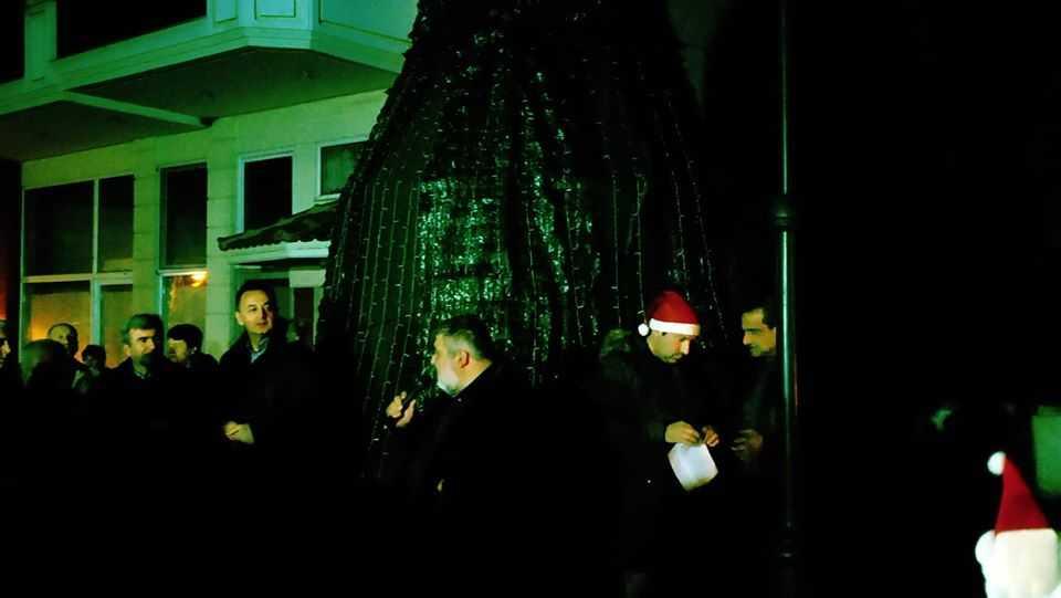 Σε γιορτή μετατράπηκε η φωταγώγηση του Χριστουγεννιάτικου Δέντρου στην Αναρράχη (ΦΩΤΟ) 20