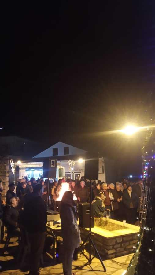 Σε γιορτή μετατράπηκε η φωταγώγηση του Χριστουγεννιάτικου Δέντρου στην Αναρράχη (ΦΩΤΟ) 28