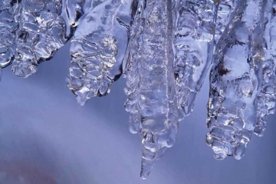 Στην κατάψυξη η χώρα- Ρεκόρ χαμηλότερης θερμοκρασίας στο Βαρικό Φλώρινας με -9.8 βαθμούς 1