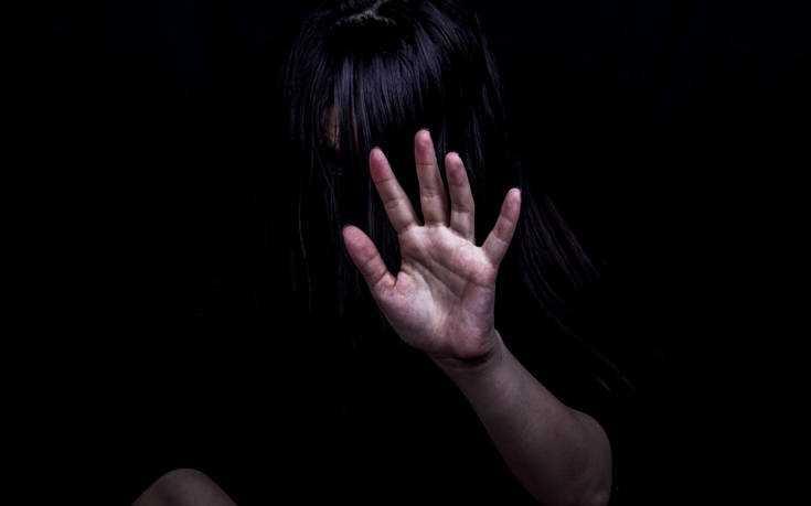 Κρήτη: Τα 15 χρόνια βιασμού από τον πατέρα, το πορνό και η αποκάλυψη στη μάνα που δεν την πίστεψε 1