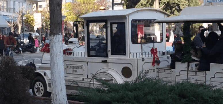 πτολεμαΐδα: συνωστισμός για μία βόλτα με το τραινάκι των χριστουγέννων 2