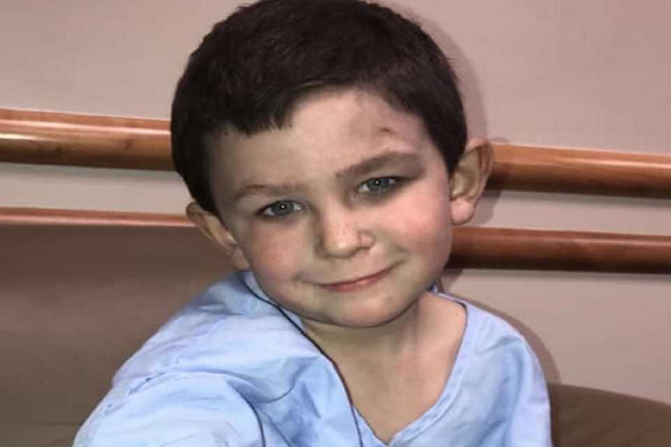 Πεντάχρονος ήρωας έσωσε την οικογένειά του και τον σκύλο τους από φωτιά στο σπίτι τους 1