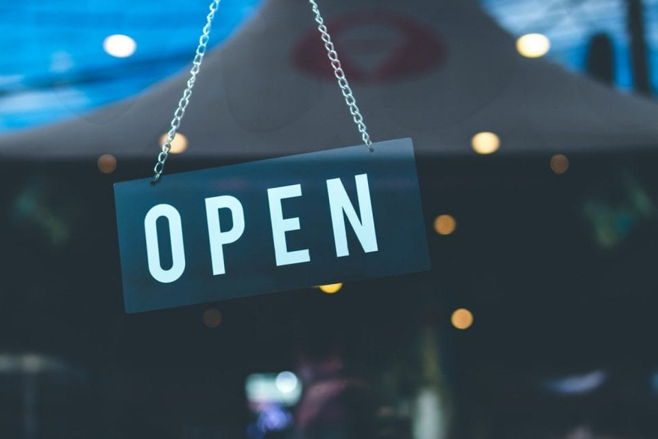 Κορονοϊός - Νέο μέτρο: Επιχειρήσεις θα ανοίγουν εκτάκτως τις Κυριακές!