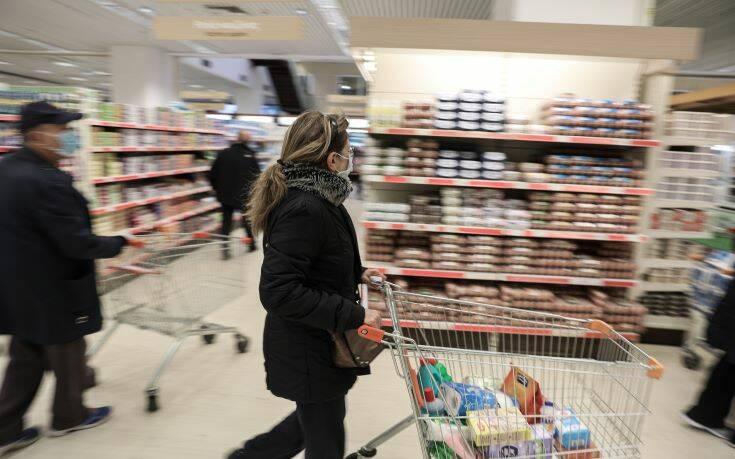 Τι αλλάζει για σούπερ μάρκετ και καταστήματα που πωλούν τρόφιμα – Το ωράριο λειτουργίας