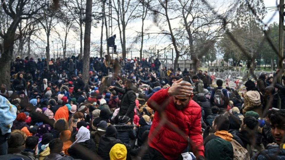 Στη ζούλα του… κορωνοϊού μεταφέρθηκαν 604 μετανάστες στην ενδοχώρα