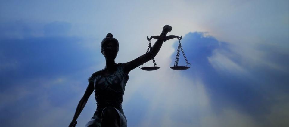 Παράνομα έκρινε τα μέτρα απαγόρευσης κυκλοφορίας στην Τσεχία η Δικαιοσύνη της χώρας - Το πρώτο δεδικασμένο