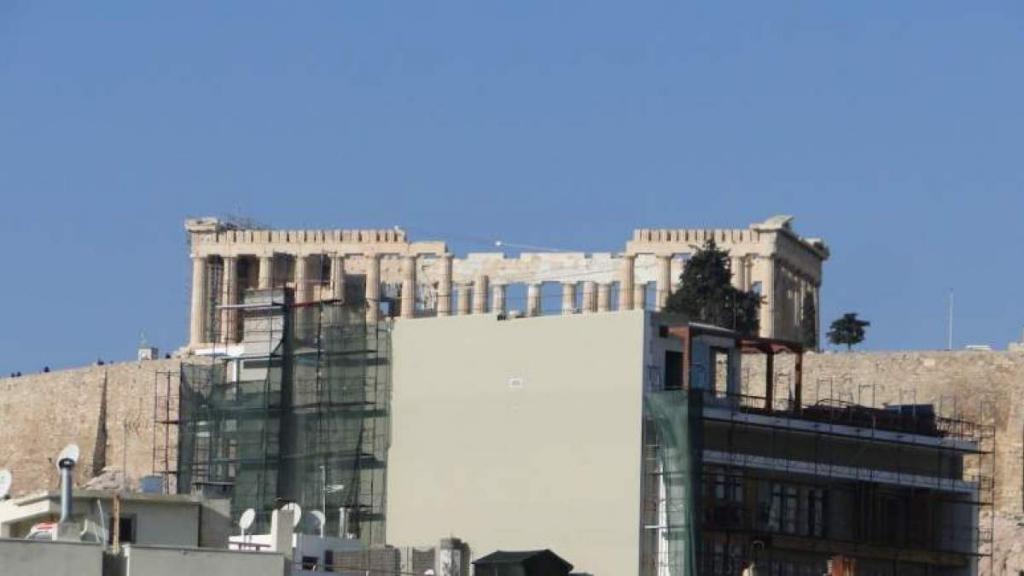 Στον αναπτυξιακό νόμο το υπό ανέγερση πολυόροφο ξενοδοχείο στη σκιά της Ακρόπολης, που προκάλεσε σάλο