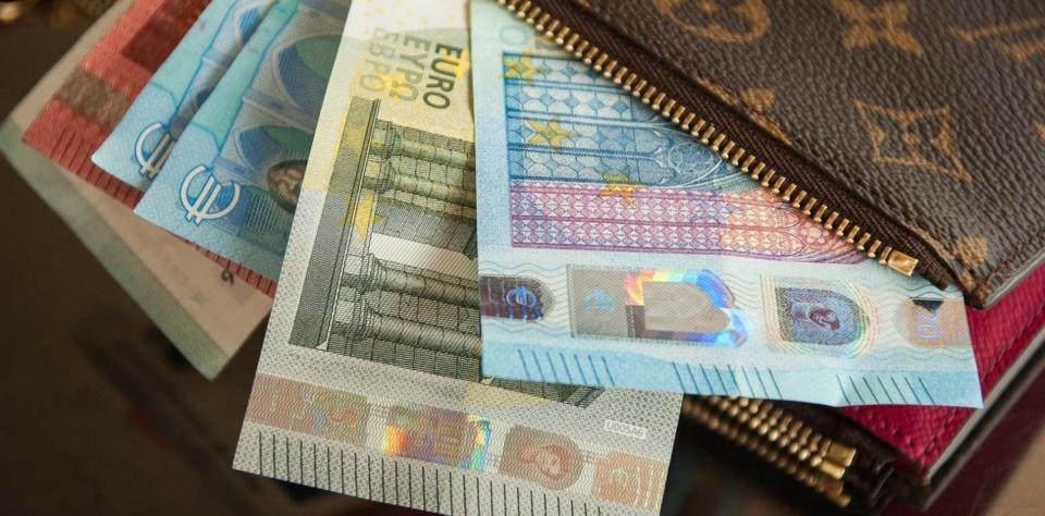 Επίδομα 800 ευρώ: Οι ημερομηνίες πληρωμής - Πότε θα ανοίξουν οι διορθώσεις 2