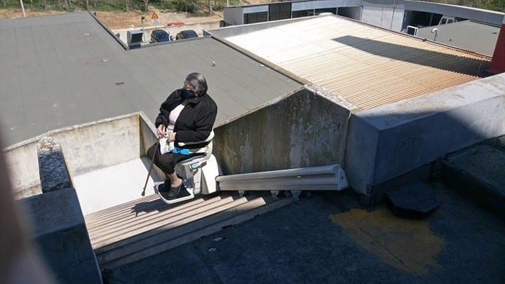 Ταχύτατη εγκατάσταση ανελκόμενου καθίσματος στην αυτόνομη είσοδο  της Νεφρολογικής κλινικής του Μποδοσάκειου Νοσοκομείου Πτολεμαΐδας 10