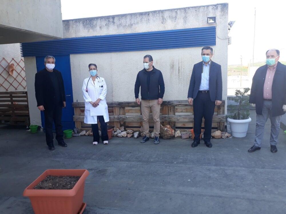 Ταχύτατη εγκατάσταση ανελκόμενου καθίσματος στην αυτόνομη είσοδο  της Νεφρολογικής κλινικής του Μποδοσάκειου Νοσοκομείου Πτολεμαΐδας 8