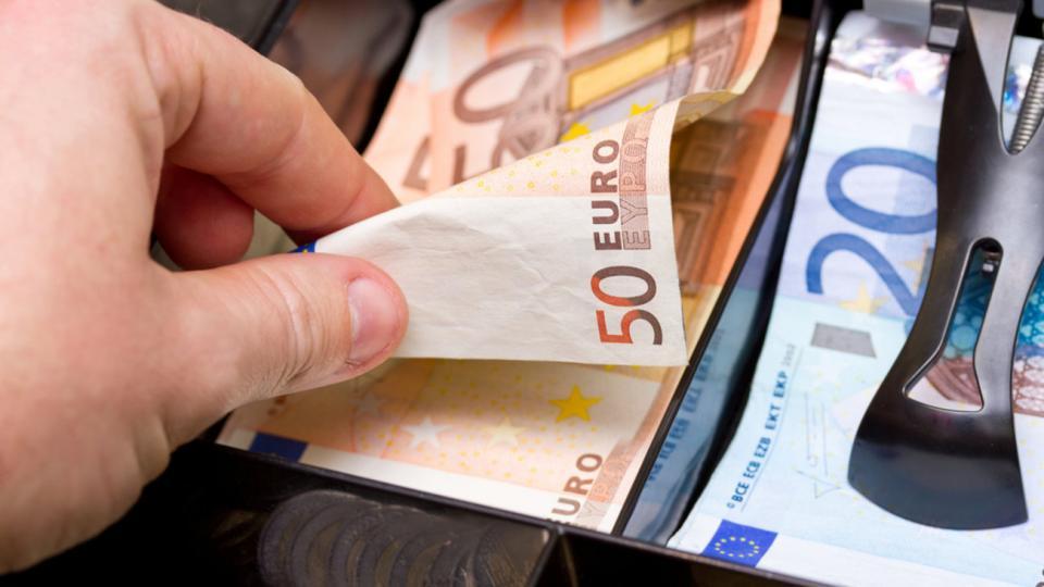 Σε ποιες περιπτώσεις θα συνεχίσει να δίδεται το επίδομα των 800 ευρώ