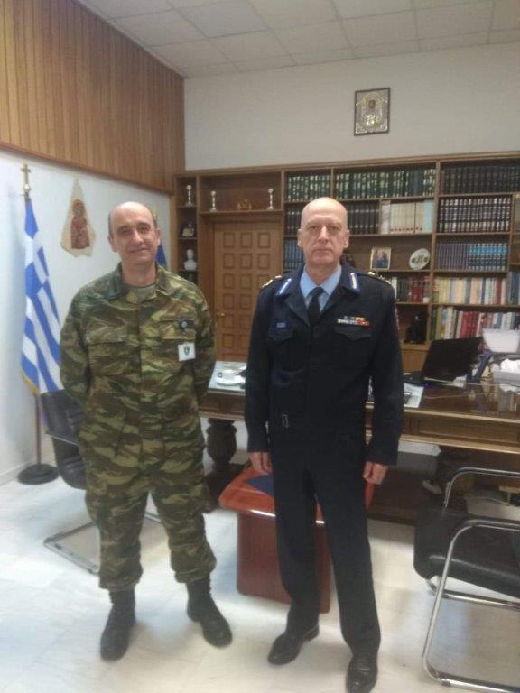 Εθιμοτυπική επίσκεψη πραγματοποίησε ο Διοικητής της Περιφερειακής Πυροσβεστικής Διοίκησης Δυτικής Μακεδονίας, Αρχιπύραρχος Ιωάννης Ράπτης στον Διοικητή της 9ης Μ/Π Ταξιαρχίας, Ταξίαρχο Ζαχαρία Ψύρρα,