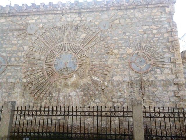 Πτολεμαΐδα : Το ιστορικό υδραγωγείο πρέπει να γκρεμιστεί... Την δυσφημεί ! 10