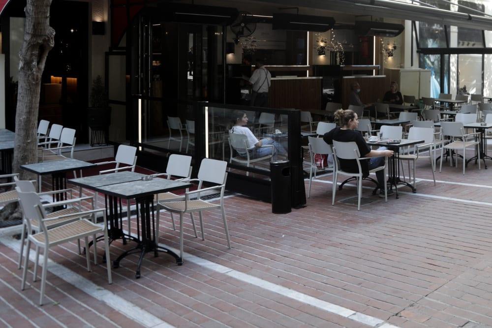 Εστίαση: Έτσι θα λειτουργούν από σήμερα εστιατόρια και καφετέριες – Πώς θα παραγγέλνουμε 10