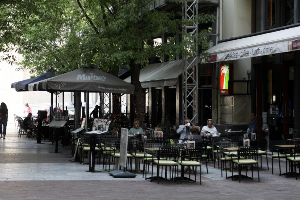 Εστίαση: Έτσι θα λειτουργούν από σήμερα εστιατόρια και καφετέριες – Πώς θα παραγγέλνουμε