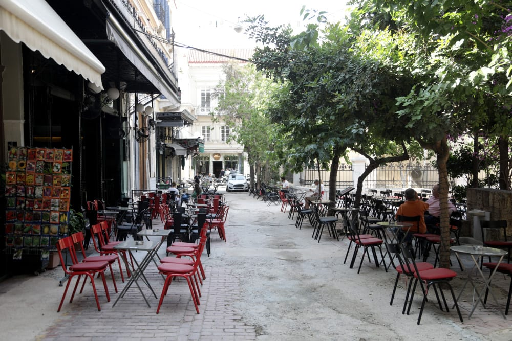 Εστίαση: Έτσι θα λειτουργούν από σήμερα εστιατόρια και καφετέριες – Πώς θα παραγγέλνουμε 8