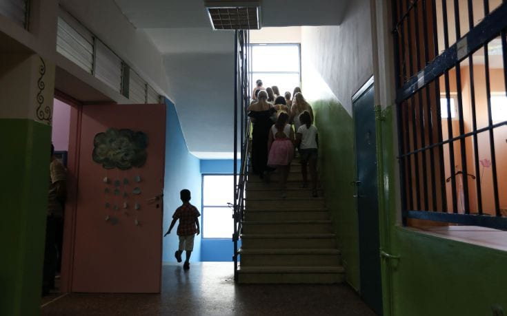 Δημοτικά σχολεία: Τη Δευτέρα οι αποφάσεις – «Ναι» στο άνοιγμα από τον Τσιόδρα