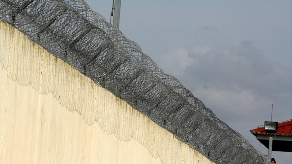 Νέα απεργία πείνας και δίψας του κρατούμενου Β. Δημάκη