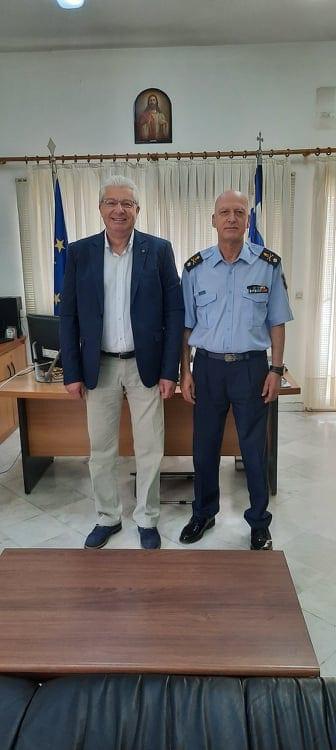 Πραγματοποιήθηκε η τελετή απονομής τιμητικής πλακέτας του απερχόμενου Διοικητή της Περιφερειακής Πυροσβεστικής Διοίκησης Δυτικής Μακεδονίας, Υποστρατήγου ε.α. Ανδρέα Παπαζαχαρία