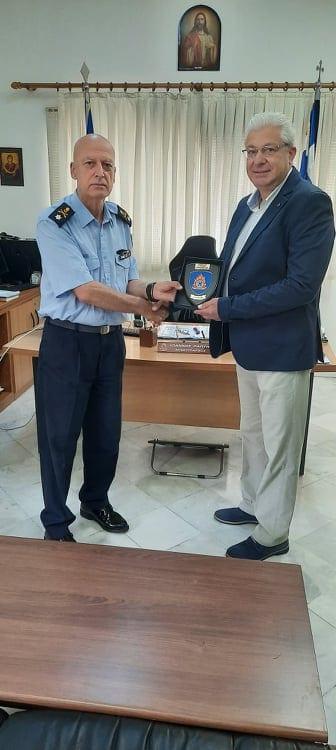 Πραγματοποιήθηκε η τελετή απονομής τιμητικής πλακέτας του απερχόμενου Διοικητή της Περιφερειακής Πυροσβεστικής Διοίκησης Δυτικής Μακεδονίας, Υποστρατήγου ε.α. Ανδρέα Παπαζαχαρία 5