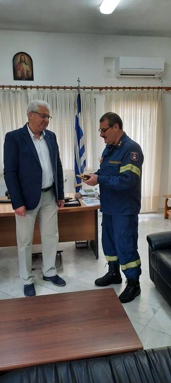 Πραγματοποιήθηκε η τελετή απονομής τιμητικής πλακέτας του απερχόμενου Διοικητή της Περιφερειακής Πυροσβεστικής Διοίκησης Δυτικής Μακεδονίας, Υποστρατήγου ε.α. Ανδρέα Παπαζαχαρία 4