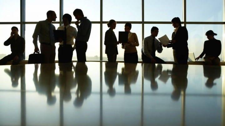 700.000 εργαζόμενοι περιμένουν το επίδομα αναστολής εργασίας - ΒΙΝΤΕΟ