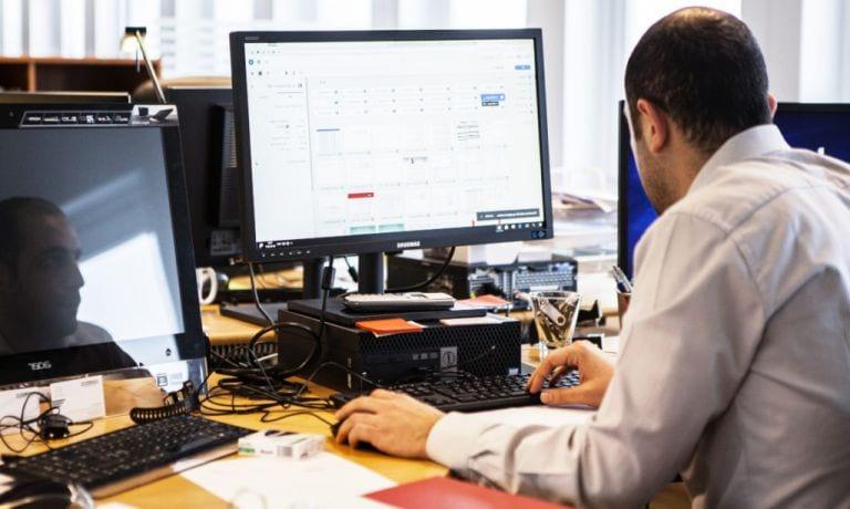 Δημόσιοι υπάλληλοι: Σύνταξη χωρίς όριο ηλικίας -Ποιοι οι «τυχεροί» (παραδείγματα)