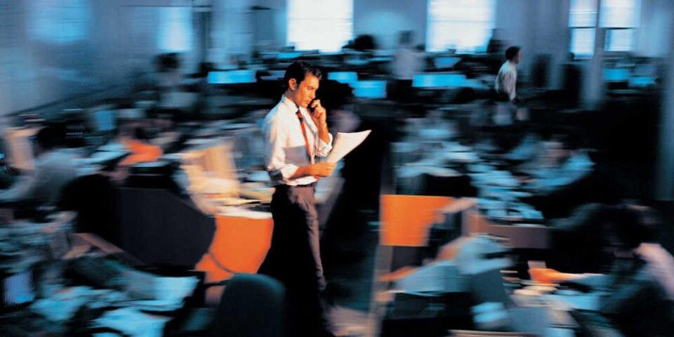 «Άνοιξαν» 36.500 θέσεις εργασίας σε Δήμους – Περιφέρειες: Πώς θα κάνετε την αίτηση και τα κριτήρια [πίνακες]